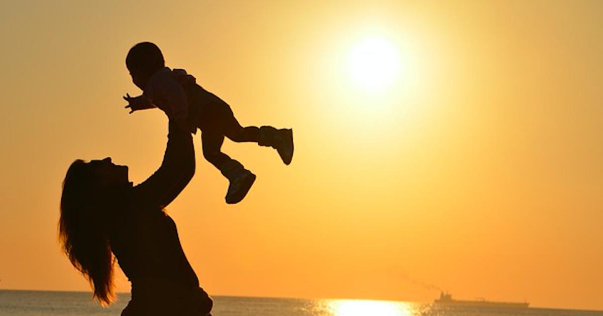 【賴佩霞專文】被父母用恨養大的孩子,怎麼懂得愛?
