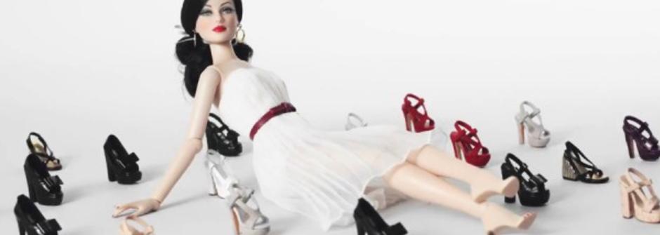 芭比娃娃的美麗高跟鞋時裝秀