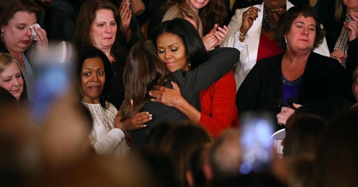 卸任第一夫人!蜜雪兒歐巴馬演講:最黑暗的時刻,也不忘卻希望的力量