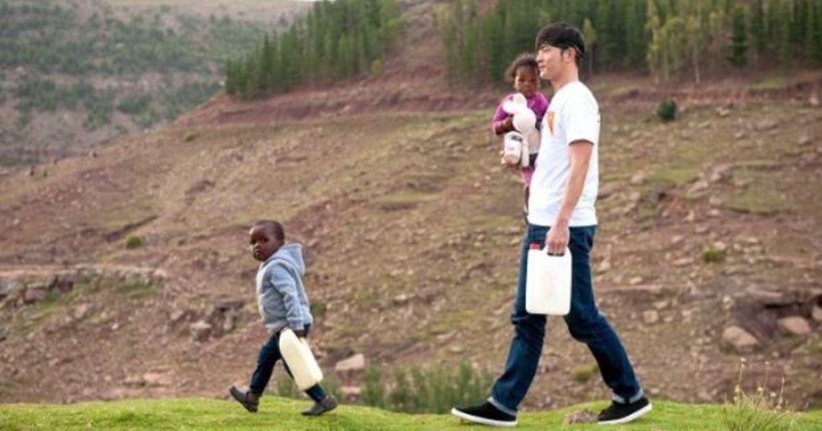 走訪賴索托!專訪宥勝:「為他人付出,是真正的富足」