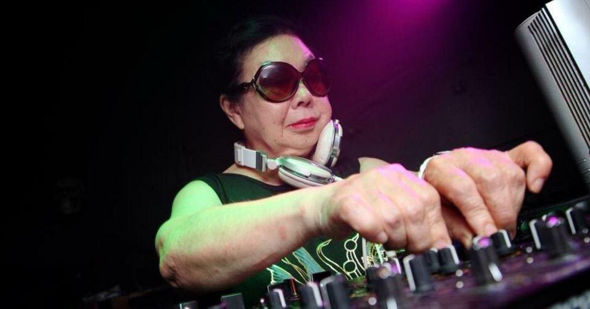 白天賣餃子,晚上刷碟子!日本 82 歲阿嬤是夜店最夯 DJ