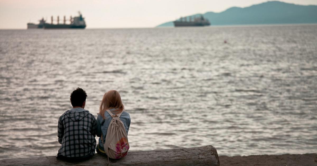 關係的拯救者情結:付出愛,只為了換取自己的存在感
