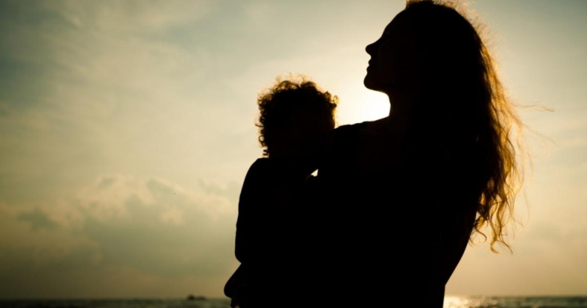 母親的情緒勒索:每個孩子在成長時,都需要斷開臍帶