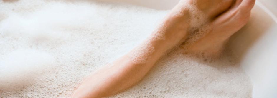 半身浴搭配天然精油排出多餘水分