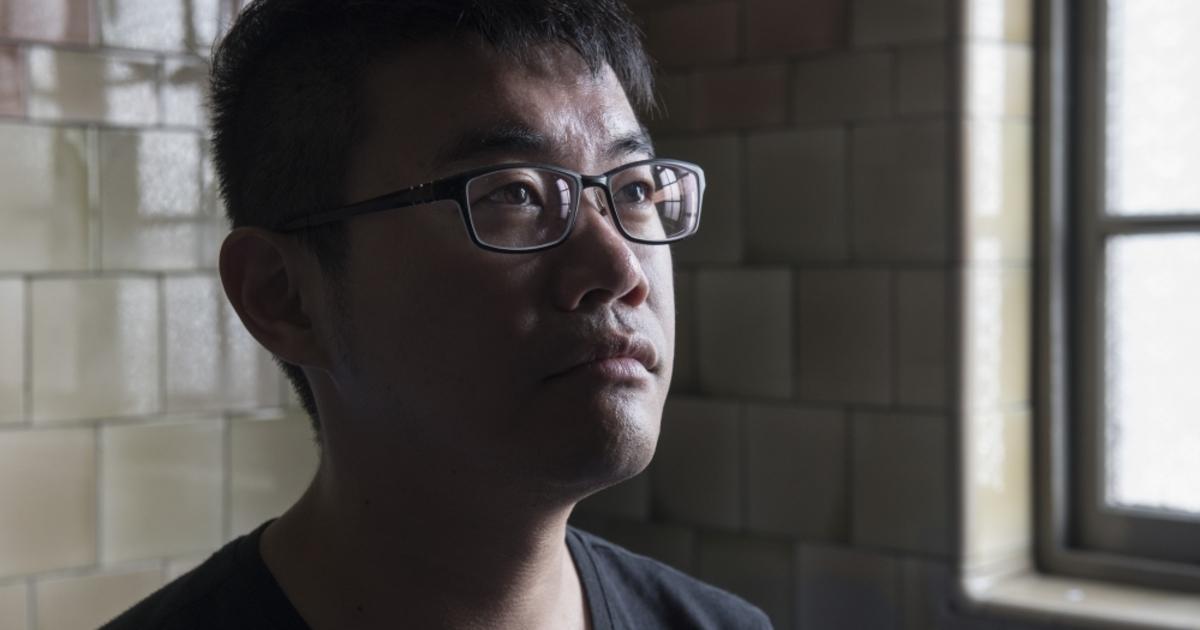 專訪同志諮詢熱線理事長徐志雲:是否出櫃,我考慮了十年