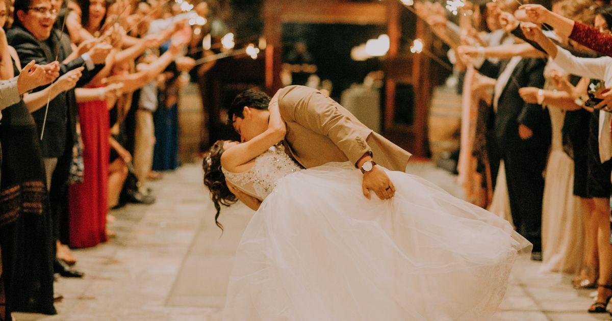 生活英語|「我們結婚吧」的英文怎麼說