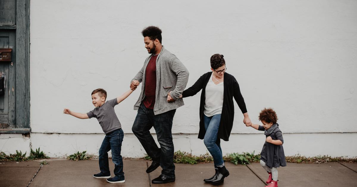 家的小守則:夫妻吵架,要在孩子面前和好
