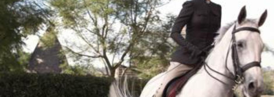馬背上的女人,英姿煥發?