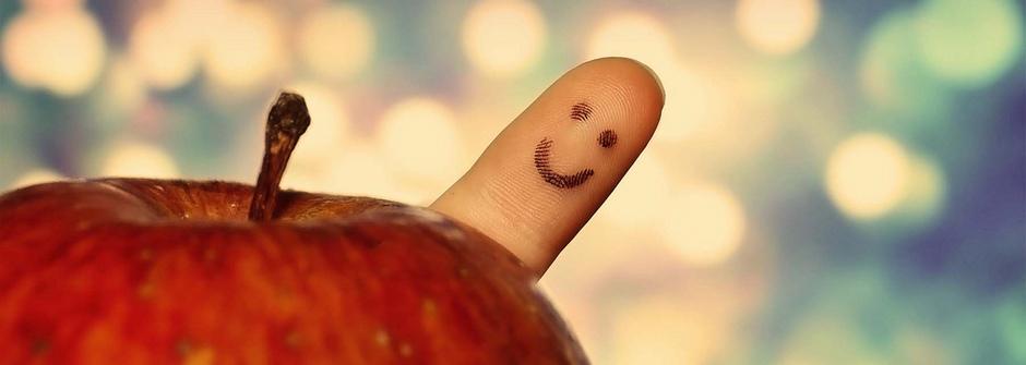 微笑吧,快樂就有希望:迎向陽光,別躲在角落哭泣!