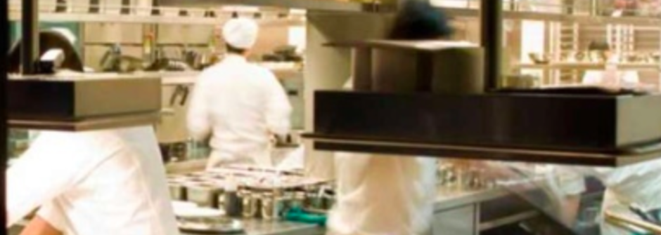 在倫敦的地獄廚房磨練,以所有熬過來的廚師為榮