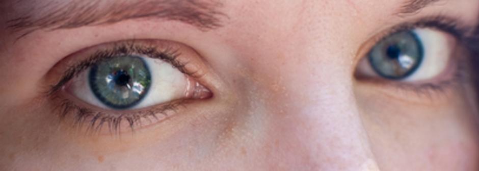 真的是在保養眼睛嗎?小花眼藥水不是眼睛救命丹|女人迷 Womany