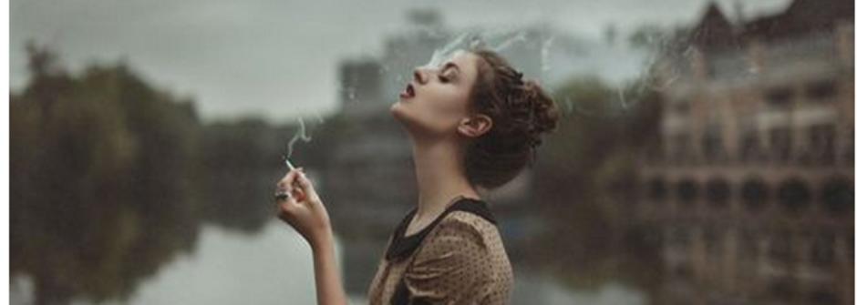 為賦新詞強說愁?少女抽的是菸還是寂寞