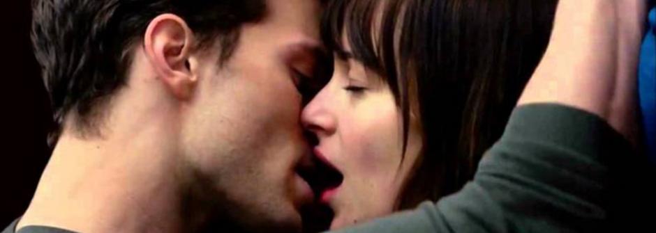 當貼心變成控制欲!《格雷的五十道陰影》背後的五種戀愛心理
