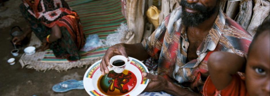 《咖啡癮史》:奴隸墳上長出咖啡!讓人傷心的咖啡源頭