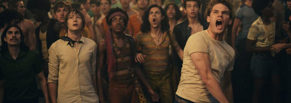 ID4名導羅蘭艾默瑞奇最新力作,見證「同志驕傲的開始」!酷兒影展開幕片精彩呈獻《石牆風暴》