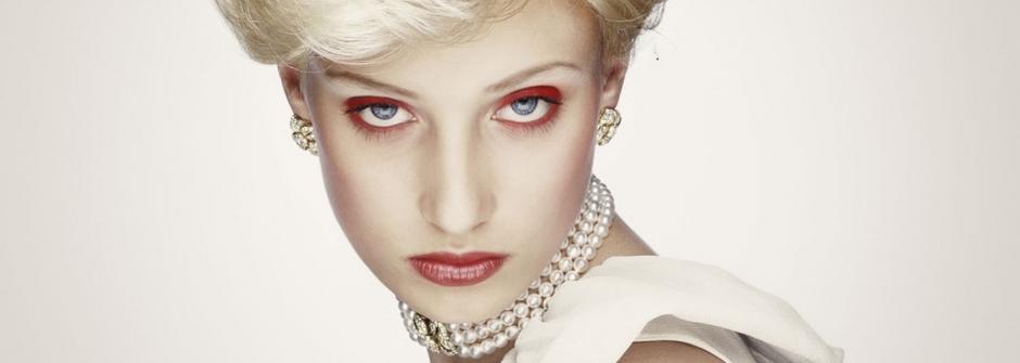 創意名人攝影:純白世界的血色皇室