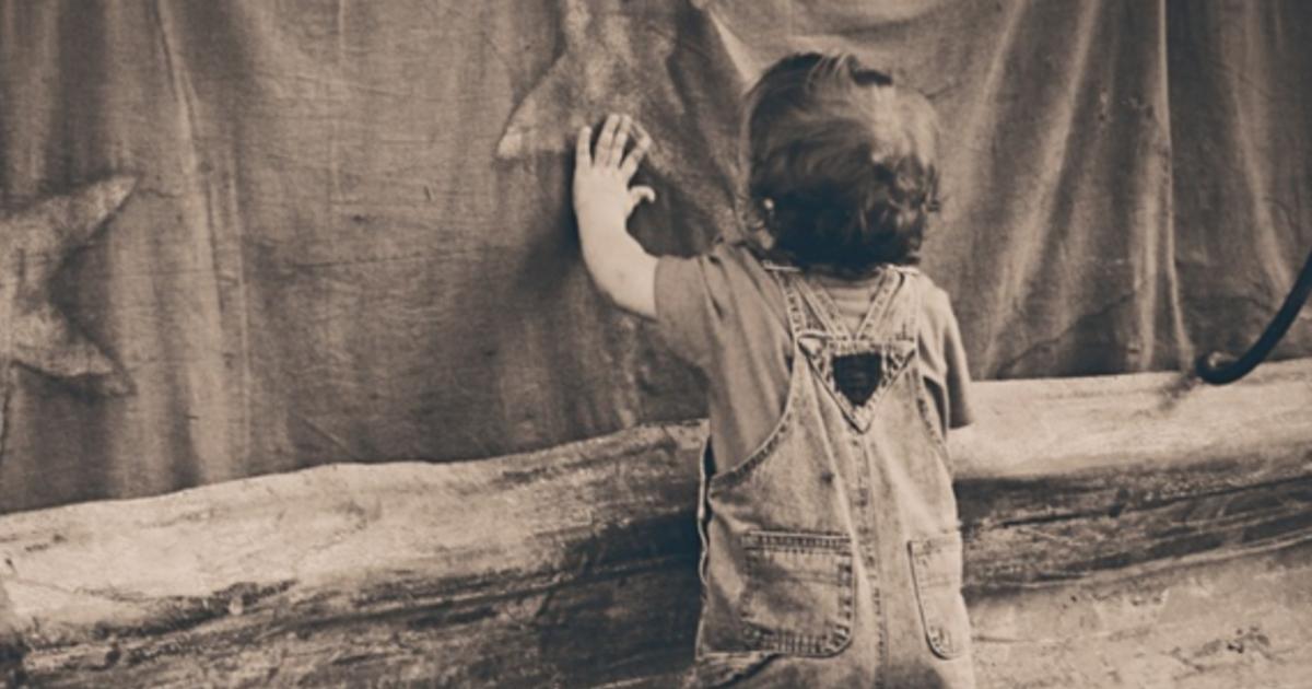 讓孩子《凝視死亡》:為什麼我們的孩子守規矩但不會思考?