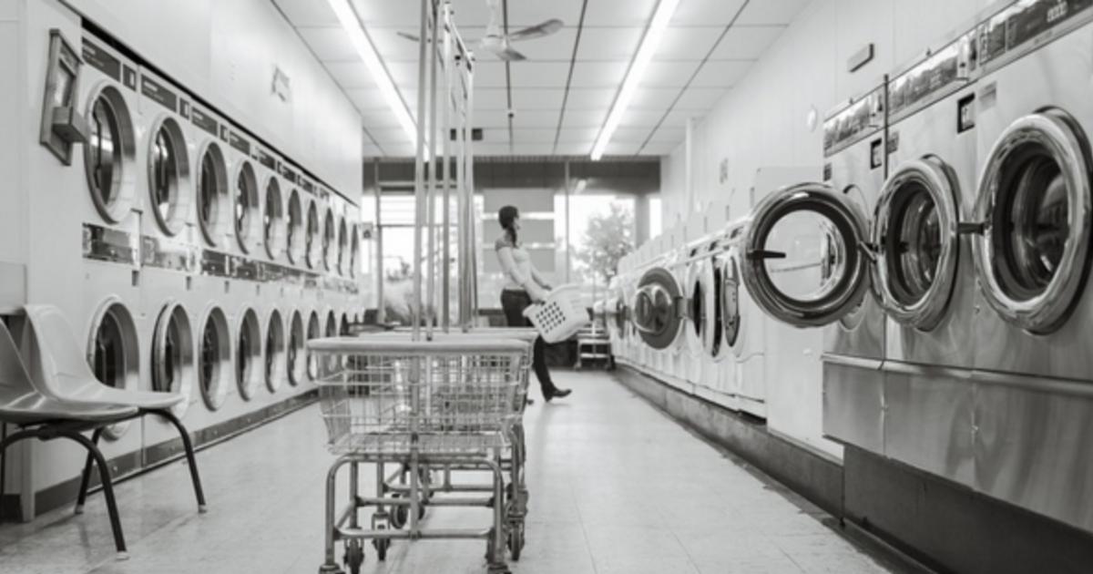 最靠近人生的地方,深夜洗衣店遇見佛洛伊德