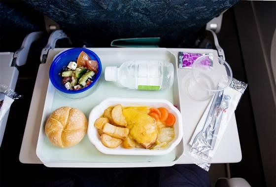 飛機餐真的很難吃還是你的味蕾在騙妳?